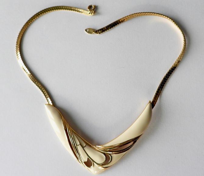 Modernist Trifari Enamel Necklace by LegendaryBeast