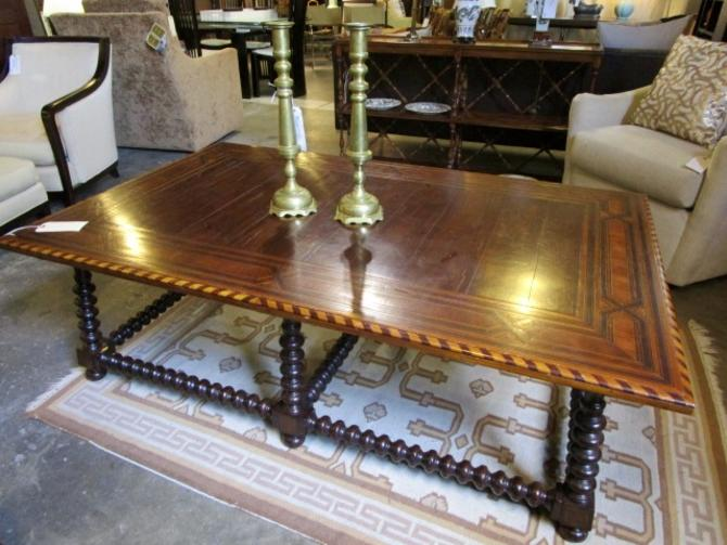 LARGE SCALE COFFEE TABLE WITH WOOD INLAY DESIGN AND BOBBIN LEGS