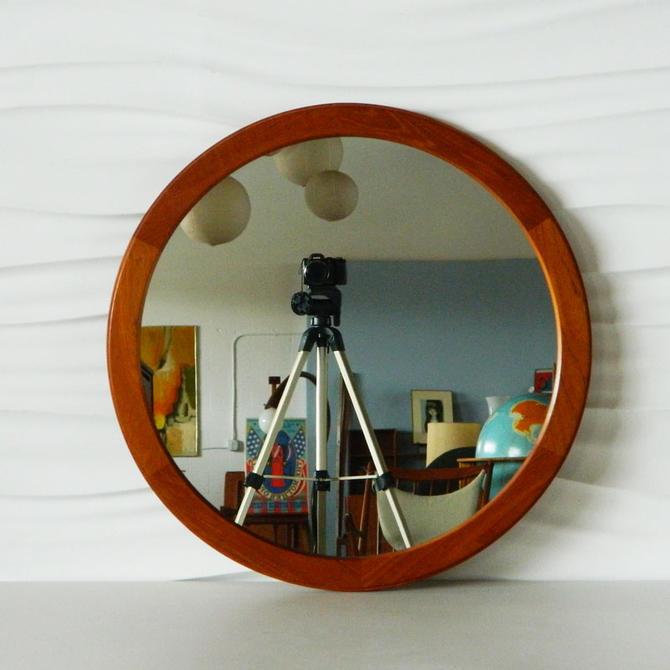 HA-C8219 Round Teak Aksel Kjersgaard Mirror