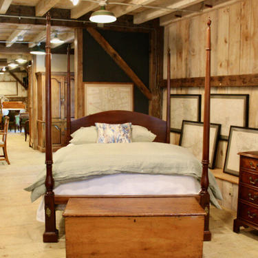 Chippendale Tall Post Bed in Mahogany. Posts 18th Century, Resized to Queen