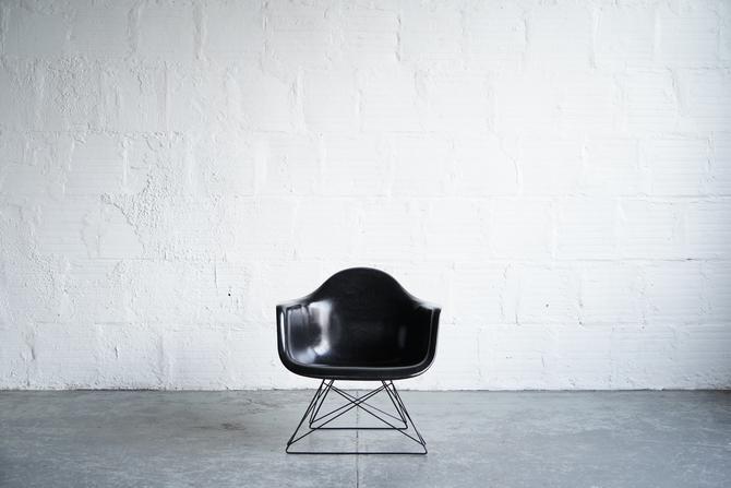 Modernica Eames Armshell Lounge