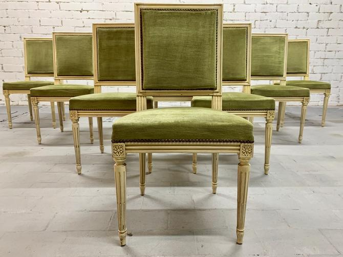 Stunnung Set of 8 French Traditional Louis XVI Style Square Back Dining Chairs
