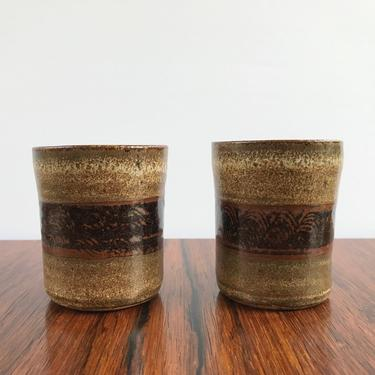 Richard Peeler Pottery Pair of Small Tumbler Cups with Combed Decoration by TheThriftyScout