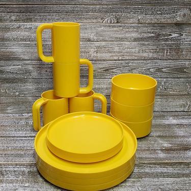 Vintage Heller Yellow Melamine Dishes, Massimo Vignelli Dinnerware, Hellerware Melmac Dish Set, 1970's Retro Kitchen Decor, Vintage Kitchen by AGoGoVintage