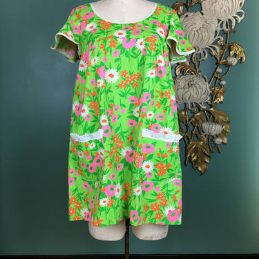 1960s tunic, vintage 60s dress, bright mod floral, flutter sleeves, size medium, tent dress, retro flower print, lime green cotton, pockets by BlackLabelVintageWA