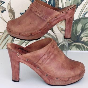 Vintage 1970s Brazilian Brown Leather Clogs Size 8.5 by StrangelovelyVintage