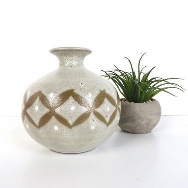 OMC Pottery Bud Vase, Vintage Stoneware Weed Pot, Mid Century Modern Earthen Pottery Vase, White And Beige Boho Pottery by HerVintageCrush