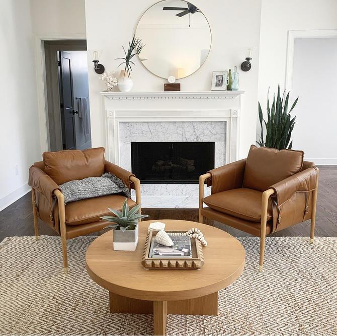 Round coffee table, Circular coffee table, Wood coffee table, White oak coffee table, by WoodbeeWoodworks