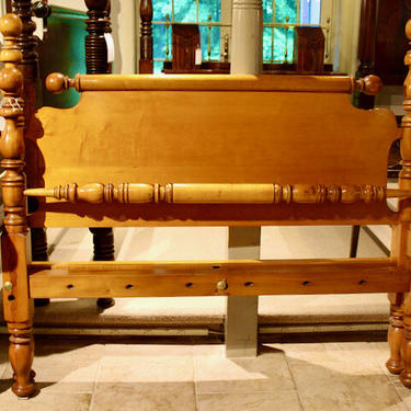 Ball & Vase Bed in Maple. Original posts circa 1830. Resized to split-Queen