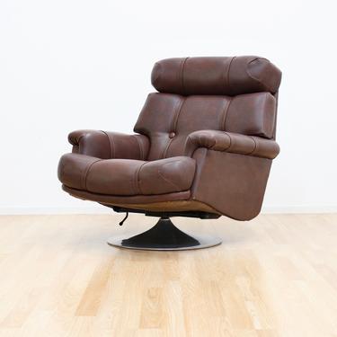 Mid Century Leather & Chrome Swivel Lounge Chair by Minty of Oxford by SputnikFurnitureLLC