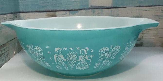 "Pyrex ""Amish Butterprint"" Cinderella Bowl #444 by JoyfulHeartReclaimed"