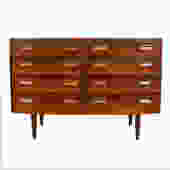 Stylish Rosewood Danish Modern Dresser / Sideboard by Hundevad