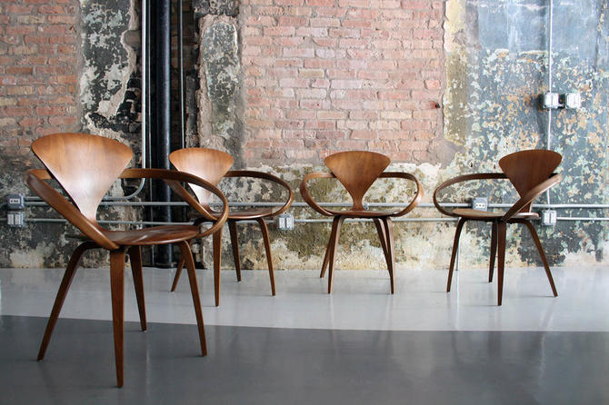 Set of 4 'Cherner' chairs in walnut by Norman Cherner (circa 2007)