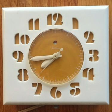 VINTAGE YELLOW TELECHRON ELECTRIC KITCHEN WALL CLOCK Mod# 2H27 mid century 1950s