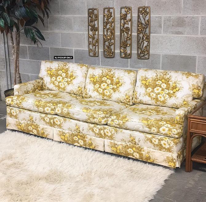 NJ PICKUP ONLY ———— Vintage Sofa by RetrospectVintage215