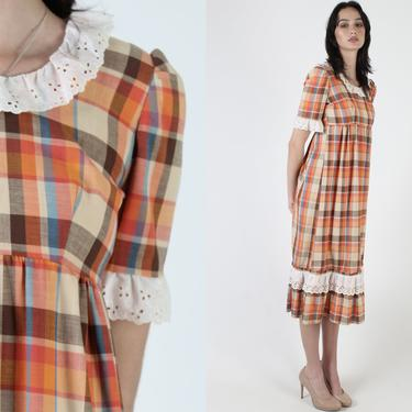 Slim Autumn Plaid Dress / Vintage 70s Checkered Brown Dress / White Tiny Roll Eyelet Collar / Preppy High Waisted Fall Lace Midi Mini by americanarchive