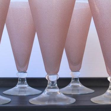 Pink Retro Soda Fountain Glasses Frosted Frosty Glam Cocktail Float Sundae Tall Glasses Glam Kitsch Barware Beer Glasses Pink Frosted by akaATA