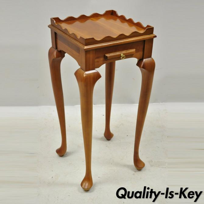 20th C Harden Queen Anne Style Cherry Wood Small Accent Side Table with Tray