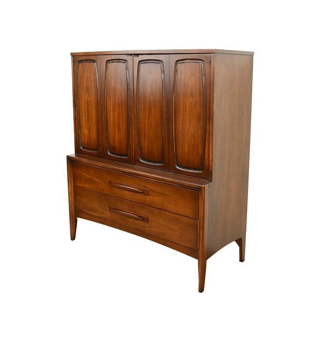 Broyhill Emphasis Gentleman's Chest Dresser Walnut Mid Century Modern by HearthsideHome