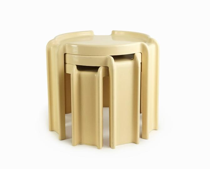 Kartell Milano Plastic Table Giotto Stoppino Beige Vintage by VintageInquisitor