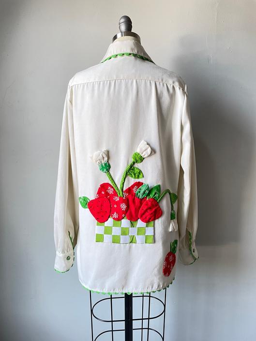 1970s Jacket Botton Aplique Novelty Berries Shirt M by dejavintageboutique