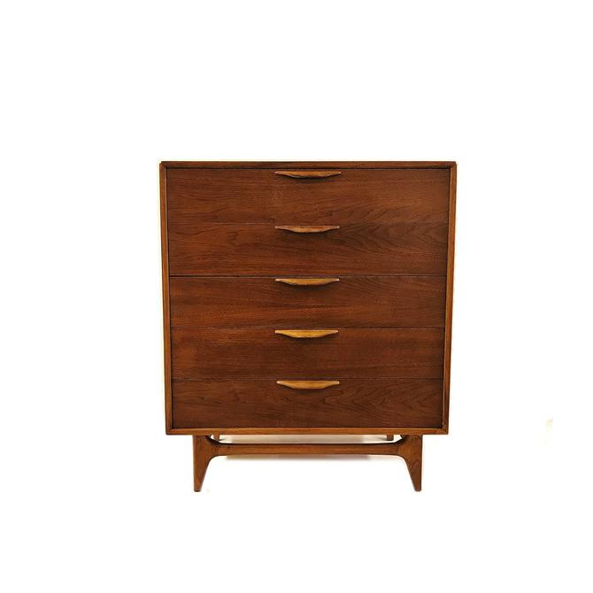 Vintage MCM Dresser In Wood by minthome