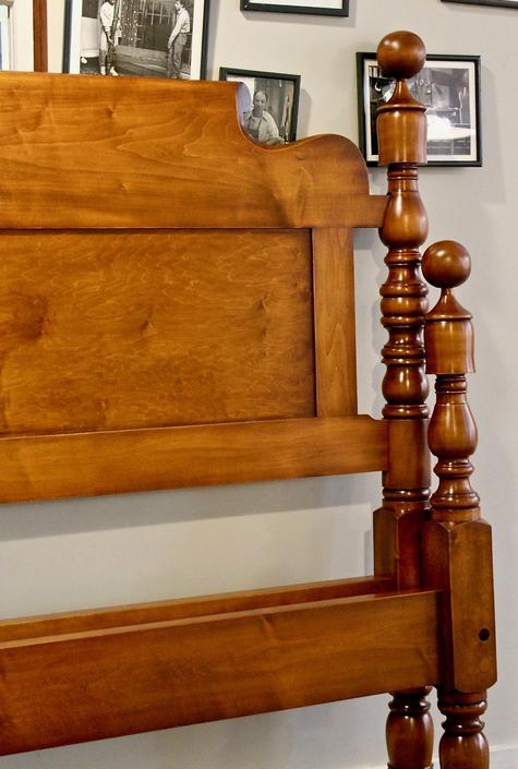 Cannonball & bell bed in maple, original posts circa 1830, Resized to King