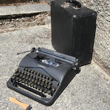 Black 1940 Corona Standard 4-Bank Portable Speedline Typewriter, Case, Owner's Manual by Deco2Go