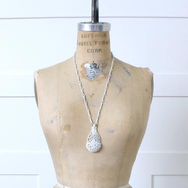 vintage 1960s Monet long necklace • mod white stylized flower basket necklace by LivingThreadsVintage