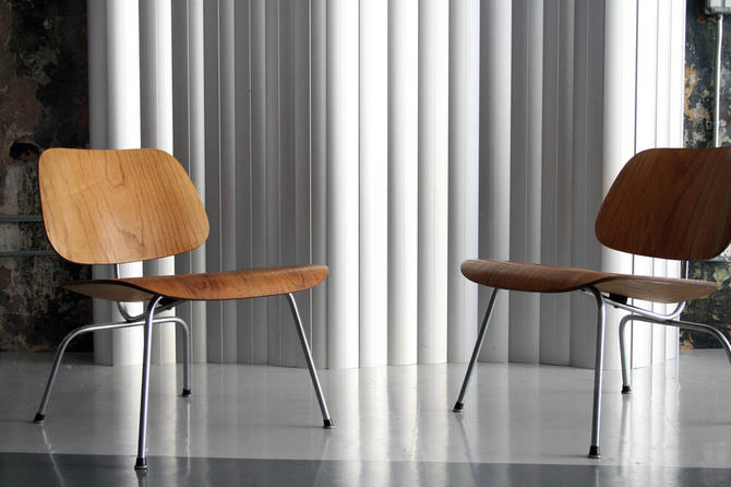 Vintage Pair of Matched LCM Longe Chairs by Eames for Herman Miller