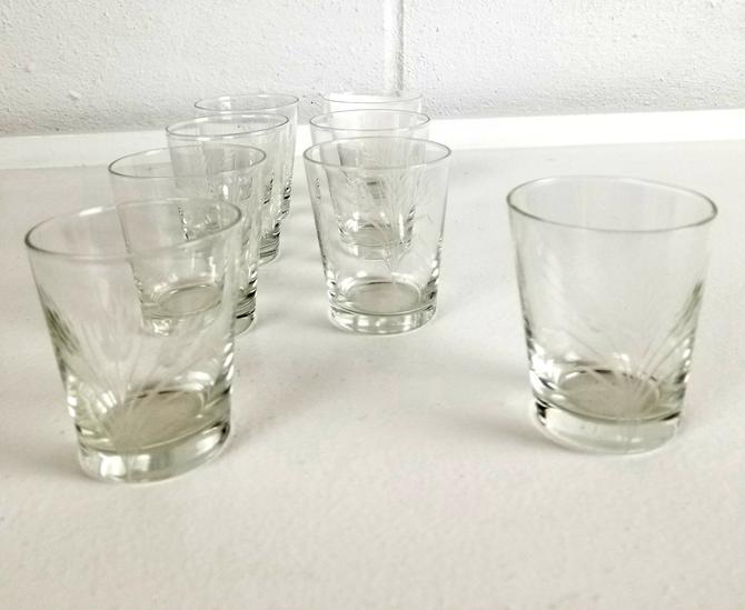 "Set of 8 ""Wheat"" Motif Etched Shot glasses"