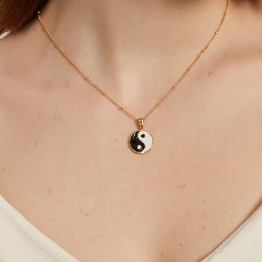 daleyza gold ying yang pendant necklace, Yin Yang chain Necklace, ying Yang charm necklace, yogi charm necklace, dainty ying yang necklace by MelangeBlancDesigns
