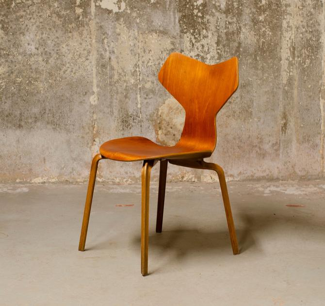 Grand Prix Chair by Arne Jacobsen for Fritz Hansen Teak by QueensMCM