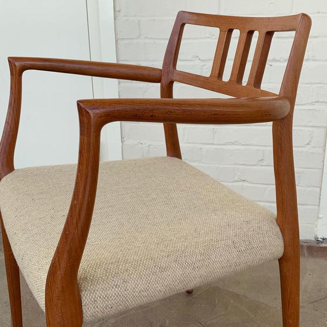 HA-19194 Teak Moller Arm Chair
