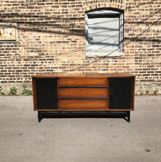 Available for Custom Refinishing//Mid Century Modern Credenza//Vintage MCM Media Console//Modern Sideboard/Dresser/Buffet by RavenswoodRevival