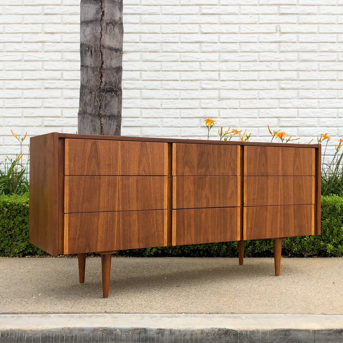Mid Century Modern Dresser by Hooker Furniture Co. by VintageSupplyLA