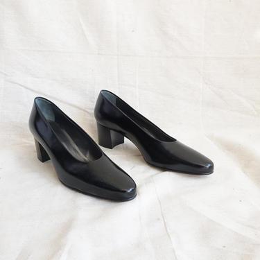 Vintage 90s Walter Steiger Patent Leather Black Pumps/ 1990s Deadstock Shiny Glove Shoe/ Block Heel/ Size 9 by bottleofbread