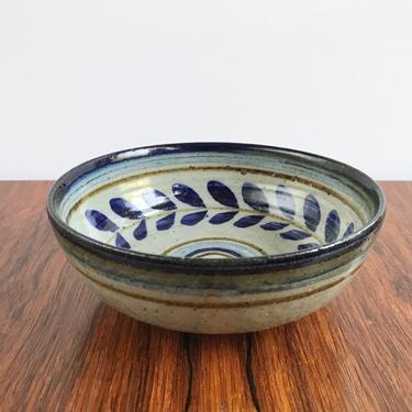 Marj Peeler Pottery Bowl - Blue Leaf Decoration by TheThriftyScout
