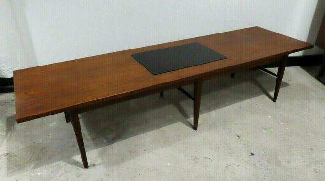 MID CENTURY MODERN WALNUT & BLACK LAMINATE RECTANGULAR COFFEE TABLE danish