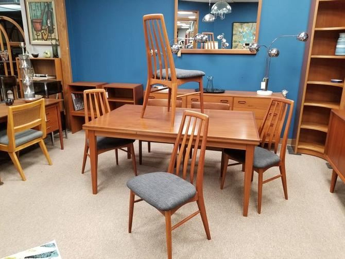 Set of 4 Danish Modern teak dining chairs by Benny Linden