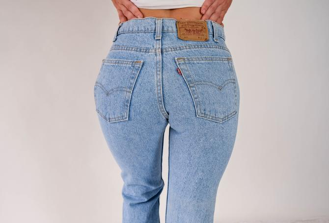 Vintage 80s 90s LEVIS Light Wash 505 High Waisted Jeans w/ Zipper Fly | Made in USA | Size 30x32 | 1980s 1990s LEVIS Light Wash Denim Pants by TheVault1969