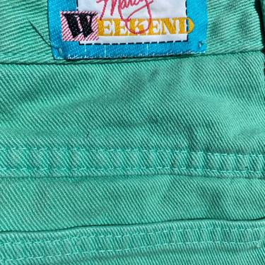 """80s 90s Minty green pastel Denim Mom jeans~ 1980's retro high waisted tapered leg~ size 28"""" 100% cotton 29"""" waist by HattiesVintagePDX"""