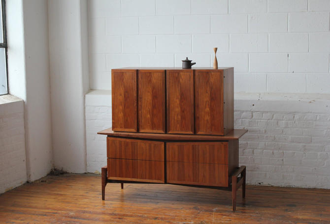 Restored Mid Century Modern Walnut Highboy, Signed Hobey Helen Baker by NijiFurnishing