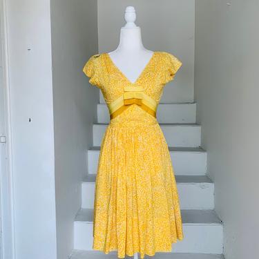 1950's XS/S Citrus Sun Dress Cotton 30 Bust Vintage Lemon Ribbon Accent Full Skirt Pleated by AmalgamatedShop