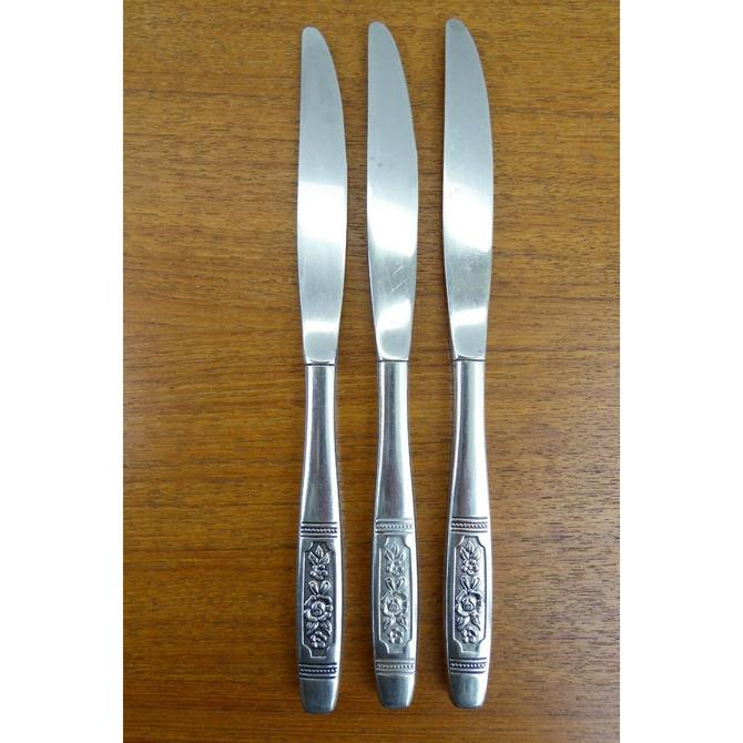 Oneida Profile Stainless (3) Dinner Knives - Rose Pendant - NICE by TheFeatheredCurator