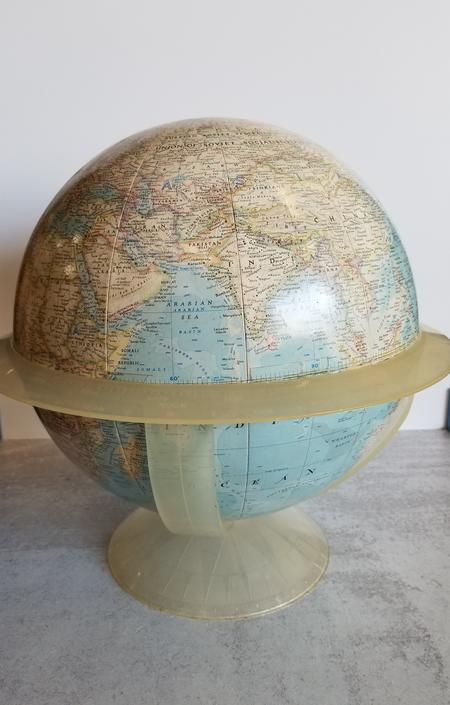 Retro Globe w/ plastic base