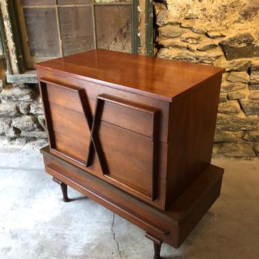 Mid century dresser American of Martinsville dresser made century modern bachelors chest by VintaDelphia