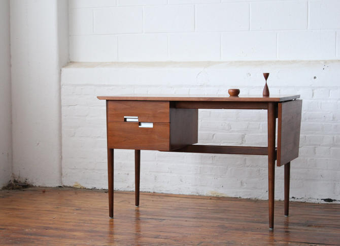 Restored American of Martinsville Walnut Pedestal Desk with Leaf by NijiFurnishing