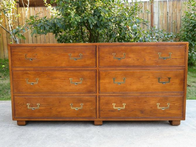 HENREDON ARTEFACTS 6 Drawer CAMPAIGN DRESSER Lowboy Chest OAK BRASS Mid Century