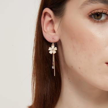 michelle white flower gold tassel long drop dangle earring, Cherry blossom earrings, flower earrings, sakura earrings, floral earrings by MelangeBlancDesigns